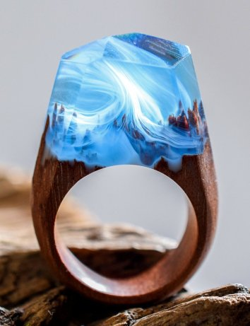 Amazing hand-crafted ring